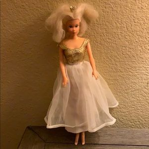 1966 Princess 👸 vintage doll with crown 👑 toy
